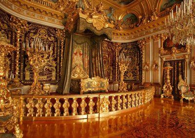 Bild von einem vergoldetem Schlafzimmer im Schloss
