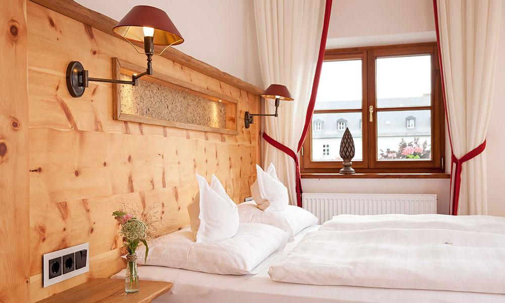 Aufbereitetes Doppelbett